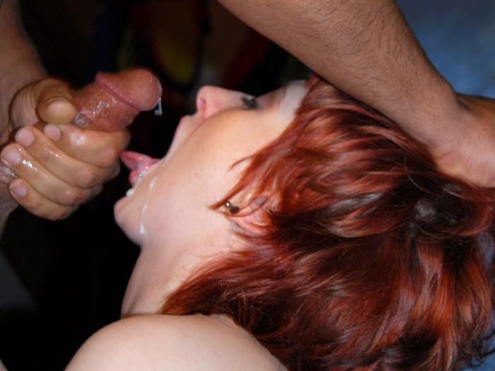 Film Metal Chick Linda (20) is terug met een daverend trio
