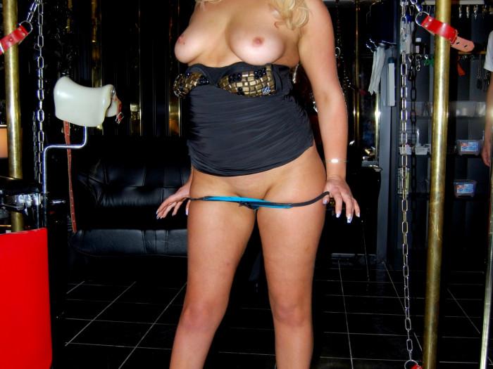 Film Kiona krijgt haar aller lekkerste orgasme ooit van Noir in Club Doma